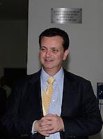 ATENÇÃO EDITOR: FOTO EMBARGADA PARA VEÍCULOS INTERNACIONAIS. SAO PAULO, 24  DE SETEMBRO DE 2012.  ELEIÇÕES  2012 - DEBATE TV GAZETA . O prefeito Gilberto Kassab  durante o debate promovido pela TV Gazeta e pelo site Terra. ADRIANA SPACA - BRAZIL PHOTO PRESS