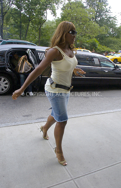 WWW.ACEPIXS.COM ** ** ** ....NEW YORK, JULY 19, 2005....Serena Williams takes a moment to sign for fans outside her midtown hotel.....Please byline: Philip Vaughan -- ACE PICTURES... *** ***  ..Ace Pictures, Inc:  ..Craig Ashby (212) 243-8787..e-mail: picturedesk@acepixs.com..web: http://www.acepixs.com