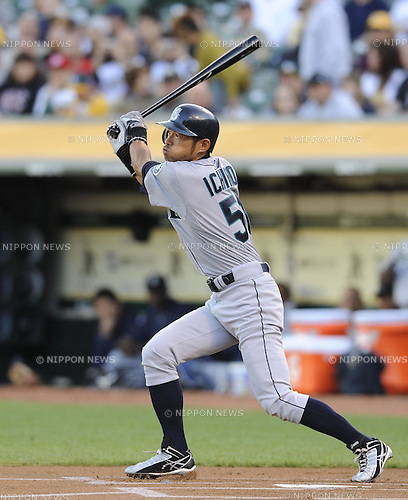 Ichiro Suzuki (Mariners), APRIL 2, 2011 - MLB : Ichiro Suzuki of the Seattle Mariners bats during a game between the Seattle Mariners and the Oakland Athletics at Oakland-Alameda County Coliseum in Oakland, CA, USA. (Photo by AFLO).