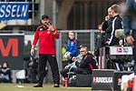 05.10.2019, Benteler Arena, Paderborn, GER, 1.FBL, SC Paderborn 07 vs 1. FSV Mainz 05<br /> <br /> DFL REGULATIONS PROHIBIT ANY USE OF PHOTOGRAPHS AS IMAGE SEQUENCES AND/OR QUASI-VIDEO.<br /> <br /> im Bild / picture shows<br /> Steffen Baumgart (Trainer / Chef-Trainer SC Paderborn 07) fragt bei 4. Offiziellen nach der Nachspielzeit und formt mit den Fingern eine drei, <br /> <br /> Foto © nordphoto / Ewert