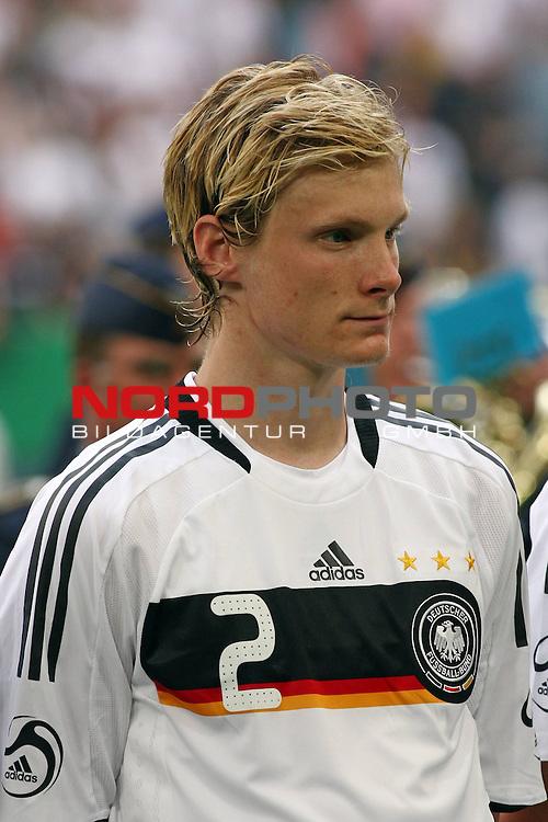 UEFA Euro 2008 Test - Deutschland (GER) vs. Serbien ( SRB ) 2 - 1 am 31.05.2008 in Gelsenkirchen - Auf Schalke<br /> Freundschaftsspiel - Friendlymatch<br /> <br /> Marcell Jansen (#2 Bayern M&uuml;nchen Deutsche Nationalmannschaft) vor dem Spiel.<br /> <br /> Foto &copy; nph (  nordphoto  ) *** Local Caption ***