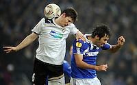 FUSSBALL   EUROPA LEAGUE   SAISON 2011/2012  SECHZEHNTELFINALE FC Schalke 04 - FC Viktoria Pilsen                          23.02.2012 Vaclav Pilar (li, Pilsen) gegen Raul (re, FC Schalke 04)