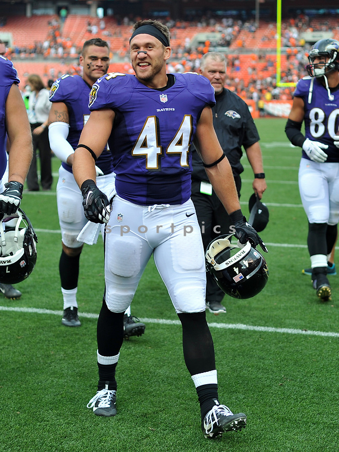 CLEVELAND, OH - JULY 18, 2016: Fullback Kyle Jusczyk #44 of the Baltimore Ravens walks off the field after a game against the Cleveland Browns on July 18, 2016 at FirstEnergy Stadium in Cleveland, Ohio. Baltimore won 25-20. (Photo by: 2017 Nick Cammett/Diamond Images)  *** Local Caption *** Kyle Jusczyk(SPORTPICS)