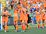 The Hague, Netherlands, June 14: Players of The Netherlands during the lap of honour before the winners ceremony after the field hockey gold medal match (Women) between Australia and The Netherlands on June 14, 2014 during the World Cup 2014 at Kyocera Stadium in The Hague, Netherlands.  (Photo by Dirk Markgraf / www.265-images.com) *** Local caption ***