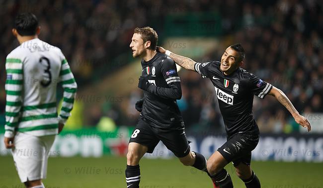 Claudio Marchisio celebrates his goal with Arturo Vidal