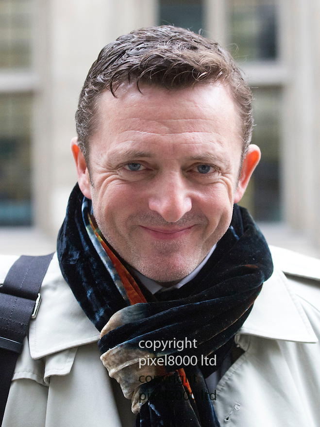 Pic shows: Former Soldier Soldier star and film director Gary Love-arrives at High Court in London today 25.11.14<br /> <br /> He is involved in a court case against Gordon Ramsay over the lease of a pub.<br /> <br /> <br /> <br /> <br /> Pic by Gavin Rodgers/Pixel 8000 Ltd