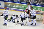 06.10.2019, Mercedes Benz Arena, Berlin, GER, 1.DEL, EISBAEREN BERLIN  VS.  Straubingen Tigers, im Bild <br /> Max Renner (Straubingen Tigers #42), Jeremy Williams (Straubingen Tigers #18), Sebastian Vogel (Straubingen Tigers #25), Stefan Loibl (Straubingen Tigers #13)<br /> <br />      <br /> Foto © nordphoto / Engler