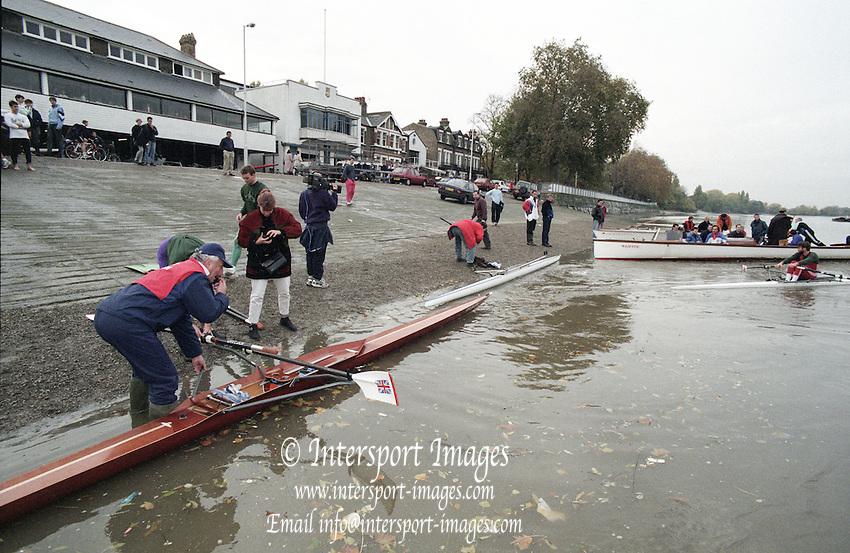 Putney. London. GREAT BRITAIN; Crews boating at Putney Hard. <br /> <br /> 1995 Thames World Sculling Championships, Putney to Mortlake. Championship Course, River Thames.<br /> <br /> [Mandatory Credit; &quot;Photo, Peter Spurrier/Intersport-images]