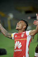 BOGOTA- COLOMBIA – 20-08-2015: Wilson Morelo, jugador del Independiente Santa Fe de Colombia, celebra el gol anotado a Liga de Loja de Ecuador, durante partido entre Independiente Santa Fe de Colombia y Atletico Mineiro de Brasil, por la segunda fase, grupo 1, de la Copa Bridgestone Libertadores en el estadio Nemesio Camacho El Campin, de la ciudad de Bogota. / Wilson Morelo,  player of Independiente Santa Fe of Colombia, celebrate a scored goal to Liga de Loja of Ecuador, during a match for the second round between Independiente Santa Fe of Colombia and Liga de Loja of Ecuador, for the first phase, of the Copa Suramericana in the Nemesio Camacho El Campin in Bogota city. Photo: VizzorImage / Luis Ramirez / Staff.