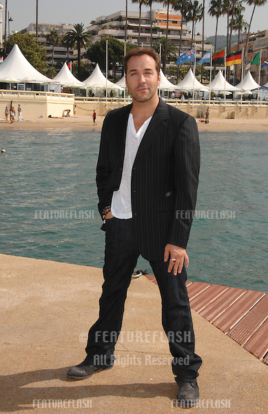 """Entourage"" star Jeremy Piven at photocall at the 60th Annual International Film Festival de Cannes where he's filming an episode of the HBO series ""Entourage."".May 23, 2007  Cannes, France..© 2007 Paul Smith / Featureflash"