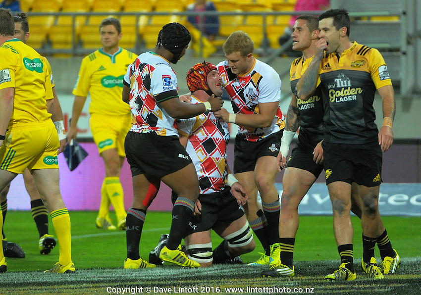 Kings captain Steve Sykes scores during the Super Rugby match between the Hurricanes and Southern Kings at Westpac Stadium, Wellington, New Zealand on Friday, 25 March 2016. Photo: Dave Lintott / lintottphoto.co.nz