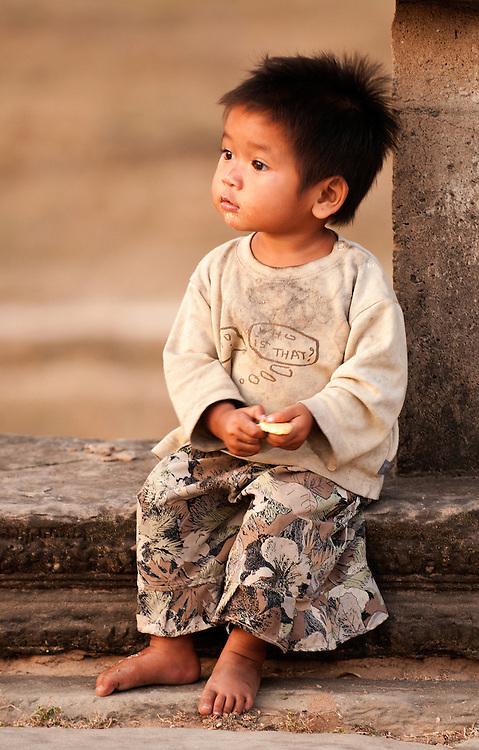 Cambodian Girl 02 - Young Cambodian girl at Angkor Wat, Cambodia