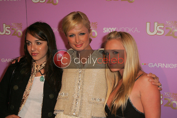 Paris Hilton<br /> Paris Hilton and friends<br /> At US Weekly's Young Hollywood Hot 20 party, LAX, Hollywood, CA 09-16-05<br /> David Edwards/DailyCeleb.Com 818-249-4998