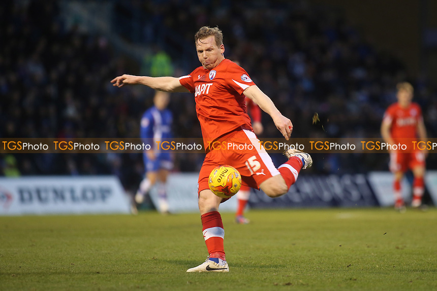 Chesterfield's Richie Humphreys takes a shot at the Gillingham goal - Gillingham vs Chesterfield - Sky Bet League One Football at Priestfield Stadium, Gillingham, Kent - 20/12/14 - MANDATORY CREDIT: Paul Dennis/TGSPHOTO - Self billing applies where appropriate - contact@tgsphoto.co.uk - NO UNPAID USE