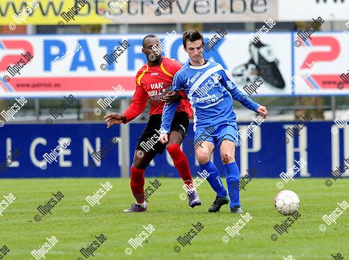 2012-04-22 / Voetbal / seizoen 2011-2012 / Kapellen FC - KSK Tongeren / Michel Nkuman (L. Kapellen) met Senne Tans..Foto: Mpics.be