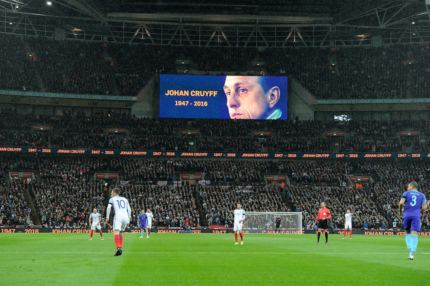 Applause on 14 minutes for Johann Cruyff<br /> <br /> Photographer AshleyWestern/CameraSport<br /> <br /> Football - Breast Cancer Care International Friendly - England v Holland - Tuesday 29th March 2016 - Wembley Stadium - London<br /> <br /> &copy; CameraSport - 43 Linden Ave. Countesthorpe. Leicester. England. LE8 5PG - Tel: +44 (0) 116 277 4147 - admin@camerasport.com - www.camerasport.com