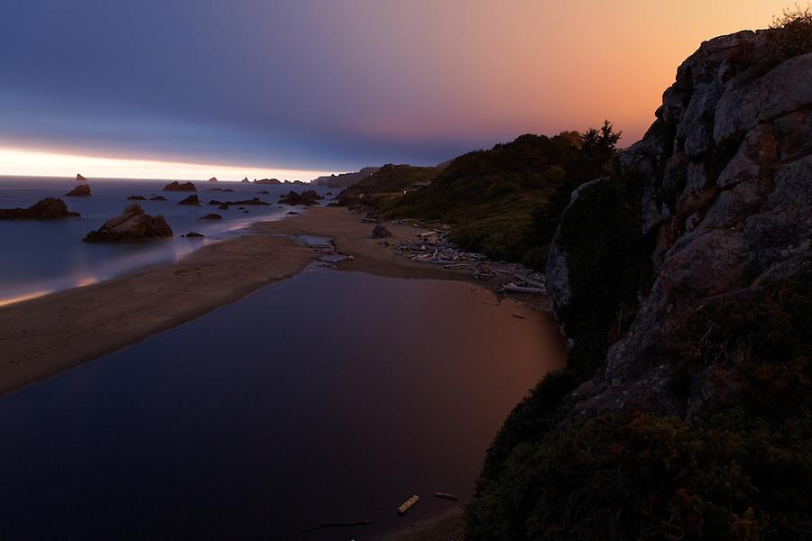 Harris Beach at dusk, Harris Beach State Park, Brookings, Oregon, USA, North America