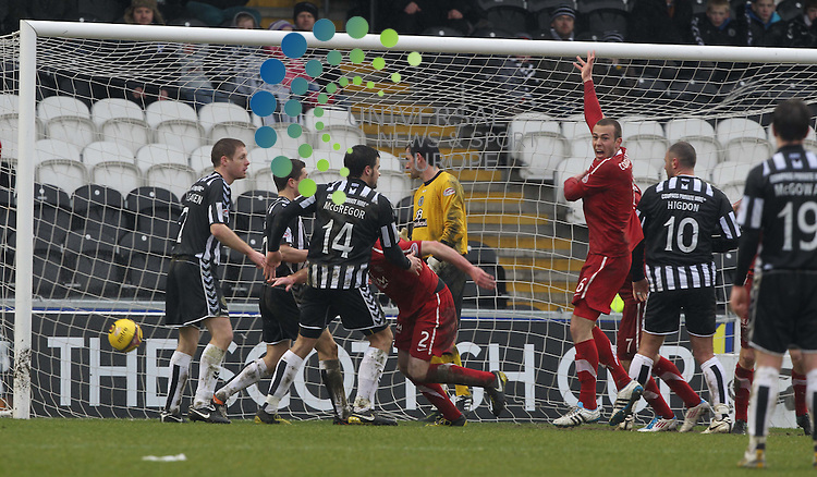 Aberdeen's Rory McArdle scores to take it 1-1 just before full time during the St Mirren v Aberdeen Scottish Cup Quarter Final at New St Mirren Park..Picture: Universal News And Sport (Europe).12 March 2011....