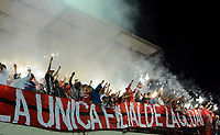 PASTO -COLOMBIA, 09-07-2017: Hinchas de America de Cali animan a su equipo durante el encuentro con Rionegro Águilas por la fecha 1 de la Liga Águila II 2017 jugado en el estadioAlberto Grisales de la ciudad de Rionegro. / Fans of America de Cali cheer for their team during the match against Rionegro Aguilas for the date 1 of the Aguila League II 2017 played at Alberto Grisales stadium in Rionegro city. Photo: VizzorImage/ León Monsalve /Cont