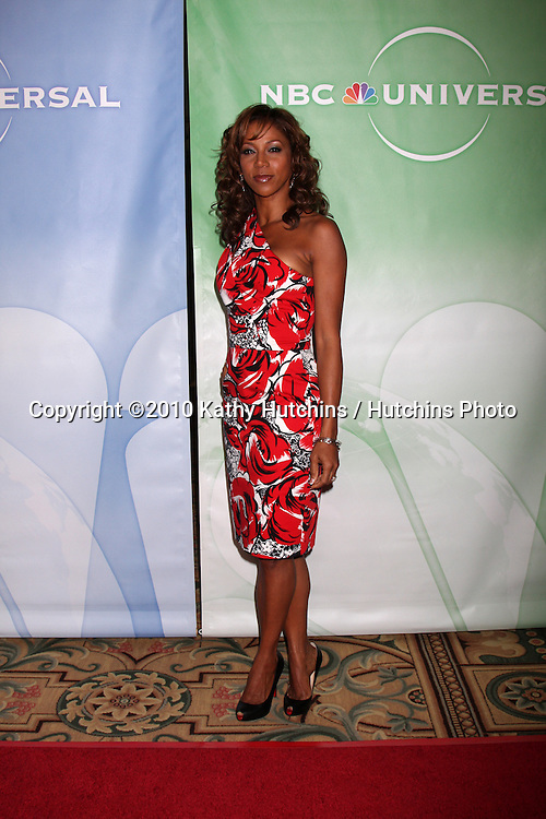 Holly Robinson Peete.arriving at the 2010 Winter NBC TCA Party .Langford Hotel.Pasadena, CA.January 10, 2010.©2010 Kathy Hutchins / Hutchins Photo....