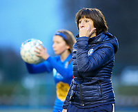 20191221 - WOLUWE: Gent's trainer Ingrid De Rycke is telling her player to look  during the Belgian Women's National Division 1 match between FC Femina WS Woluwe A and KAA Gent B on 21st December 2019 at State Fallon, Woluwe, Belgium. PHOTO: SPORTPIX.BE | SEVIL OKTEM