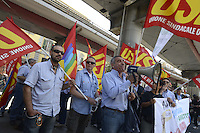Roma, 25 Maggio 2012.Sede Atac di Via Prenestina.Manifestazione contro l'aumento del biglietto scattato oggi..Lavoratori Atac.