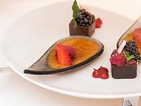 Dessert im Restaurant, Hotel Riva, Seestr. 25, Konstanz, Baden-W&uuml;rttemberg, Deutschland, Europa<br /> Desert, Restaurant of  Hotel Riva, Seestr. 25, Constance, Baden-W&uuml;rttemberg, Germany, Europe