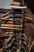 Tools which Eifu Kawamata of Okeei use to make.