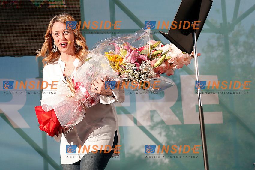 Giorgia Meloni con un mazzo di fiori<br /> Roma 01-06-2016 Tor Bella Monaca. Chiusura della Campagna elettorale della candidata a sindaco di Roma per Fratelli d'Italia.<br /> Photo Samantha Zucchi Insidefoto