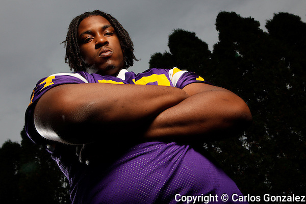 Photo © Carlos Gonzalez - June 9, 2009 -  St. Paul, MN - Cretin-Derham Hall .Seantrel Henderson -.Seantrel Henderson is the latest top football recruit to come out of tradition-rich Cretin-Derham Hall. The 6-foot-8, 300-pound left tackle is arguably the nation's top overall recruit and has been offered by every big-time program in the country. Henderson also stars in basketball and track for Cretin-Derham..