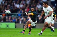 Rudy Paige of South Africa passes the ball. Old Mutual Wealth Series International match between England and South Africa on November 12, 2016 at Twickenham Stadium in London, England. Photo by: Patrick Khachfe / Onside Images