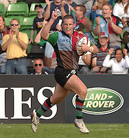 2005_06 National Division One, NEC Harlequins vs Newbury, Quins mel Deane raises his arm as he run's in a second half try. Twickenham Stoop: 17.09.2005   © Peter Spurrier/Intersport Images - email images@intersport-images..