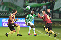 MEDELLÍN - COLOMBIA ,16-05-2019:Acción de juego entre ell Atlético Nacional el y Deportes Tolima  durante partido por los cuadrangulares finales del  grupo B de la Liga Águila I 2019 jugado en el estadio Atanasio Girardot de la ciudad de Medellín. /Action game between Atletico Nacional and Deportes Tolima during  the second  match for the quarter finals B of the Liga Aguila I 2019 played at the Atanasio Girardot  Stadium in Medellin  city. Photo: VizzorImage / León Monsalve / Contribuidor.