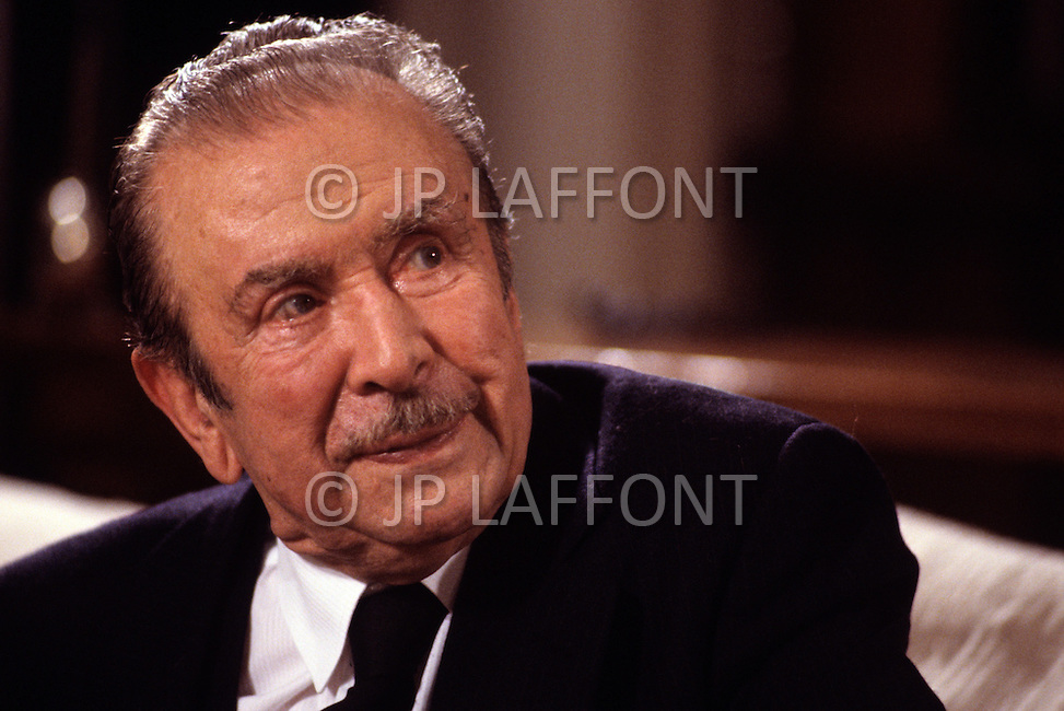 New York, Long Island -  NOVEMBER 1987. Pianist Claudio Arrau is interviewed by Jacques Chancel. Claudio Arrau (February 6, 1903 - June 9, 1991) was a Chilean pianist, considered one of the greatest pianists of the twentieth century, who is best known for his interpretations of Beethoven, Schubert, Chopin, Schumann, Liszt and Brahms.