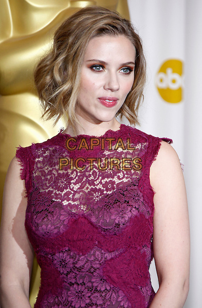 SCARLETT JOHANSSON.83rd Annual Academy Awards - Oscars.Kodak Theatre, Hollywood, CA, USA..February 27th, 2011 .Pressroom press room half length beauty make-up eyeshadow dress gold bronze bob purple pink fuschia lace sheer sleeveless aubergine .CAP/PE.©Peter Eden/Capital Pictures.