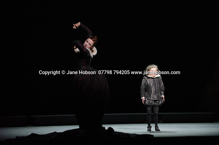 Edinburgh, UK. 27.08.2015. Ballett Zurich presents a double bill of KAIROS and SONNETT, at the Edinburgh Playhouse, as part of the Edinburgh International Festival. This piece is SONNETT, choreographed by Christian Spuk. Mireille Mosse plays 'The Poet's Shadow' and Eva Dewaele is 'The Dark Lady'. Photograph © Jane Hobson.