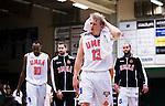 S&ouml;dert&auml;lje 2014-10-11 Basket Basketligan S&ouml;dert&auml;lje Kings - Ume&aring; BSKT :  <br /> Ume&aring;s Richard Blomberg deppar med lagkamrater under matchen mellan S&ouml;dert&auml;lje Kings och Ume&aring; BSKT <br /> (Foto: Kenta J&ouml;nsson) Nyckelord:  S&ouml;dert&auml;lje Kings SBBK Basket Basketligan T&auml;ljehallen Ume&aring; BSKT depp besviken besvikelse sorg ledsen deppig nedst&auml;md uppgiven sad disappointment disappointed dejected