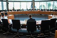 31. Sitzung des &quot;1. Untersuchungsausschuss&quot; der 19. Legislaturperiode des Deutschen Bundestag am Donnerstag den 29. Oktober 2018 zur Aufklaerung des Terroranschlag durch den islamistischen Terroristen Anis Amri auf den Weihnachtsmarkt am Berliner Breitscheidplatz im Dezember 2016.<br /> Im Bild: Fuer die oeffentliche Zeugenvernehmung war der ehemalige Berliner Senator fuer Gesundheit und Soziales, Mario Czaja (CDU), geladen. In seine Verantwortung fiel das Landesamt fuer Gesundheit und Soziales, LaGeSo. Das LaGeSo war fuer die Registrierung der in Berlin ankommenden gefluechteten Menschen zustaendig. Im Sommer 2015 geriet das LaGeSo in die Kritik, da es den Zustrom von der Gefluechteten nicht mehr in den Griff bekam und chaotische Zustaende vor und in der Behoerde herrschten.<br /> 29.11.2018, Berlin<br /> Copyright: Christian-Ditsch.de<br /> [Inhaltsveraendernde Manipulation des Fotos nur nach ausdruecklicher Genehmigung des Fotografen. Vereinbarungen ueber Abtretung von Persoenlichkeitsrechten/Model Release der abgebildeten Person/Personen liegen nicht vor. NO MODEL RELEASE! Nur fuer Redaktionelle Zwecke. Don't publish without copyright Christian-Ditsch.de, Veroeffentlichung nur mit Fotografennennung, sowie gegen Honorar, MwSt. und Beleg. Konto: I N G - D i B a, IBAN DE58500105175400192269, BIC INGDDEFFXXX, Kontakt: post@christian-ditsch.de<br /> Bei der Bearbeitung der Dateiinformationen darf die Urheberkennzeichnung in den EXIF- und  IPTC-Daten nicht entfernt werden, diese sind in digitalen Medien nach &sect;95c UrhG rechtlich geschuetzt. Der Urhebervermerk wird gemaess &sect;13 UrhG verlangt.]