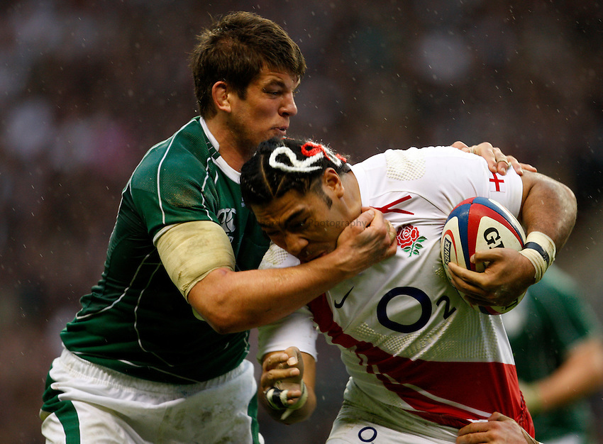 Photo: Richard Lane/Richard Lane Photography. .England v Ireland. RBS Six Nations. 15/03/2008. England's Lesley Vainikolo is tackled by Ireland's Donncha O'Callaghan.