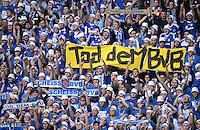 Fussball 1. Bundesliga :  Saison   2012/2013   8. Spieltag  20.10.2012 Borussia Dortmund - FC Schalke 04 Schalke Fans mit einem Banner TOD DEM BVB