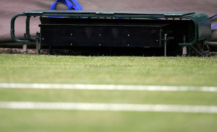 Photo: Paul Thomas..Wimbledon Championships. 28/06/2007...Hawk Eye keeps an eye on the ball during a players serve.