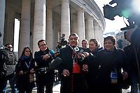 Continuano gli incontri dei cardinali per trovare l'accordo sulla data dell'inizio del Conclave che porterà all'elezione del nuovo Papa dopo le dimissioni di Benedetto XVI. Il cardinale Crescenzio Sepe risponde alle domande dei giornalisti.