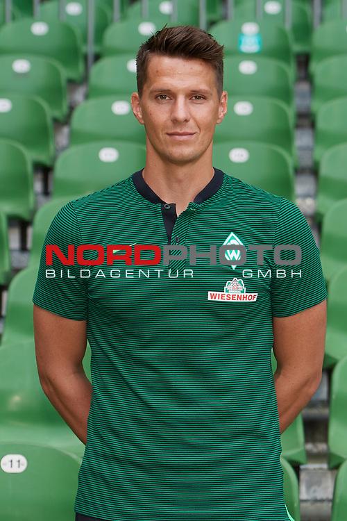 Fu&szlig;ball, GER, /3.Liga, Portr&auml;ttermin 2017/2018,<br /> <br /> Manuel Klon ( Werder Bremen)<br /> <br /> Foto &copy; nordphoto / Kokenge