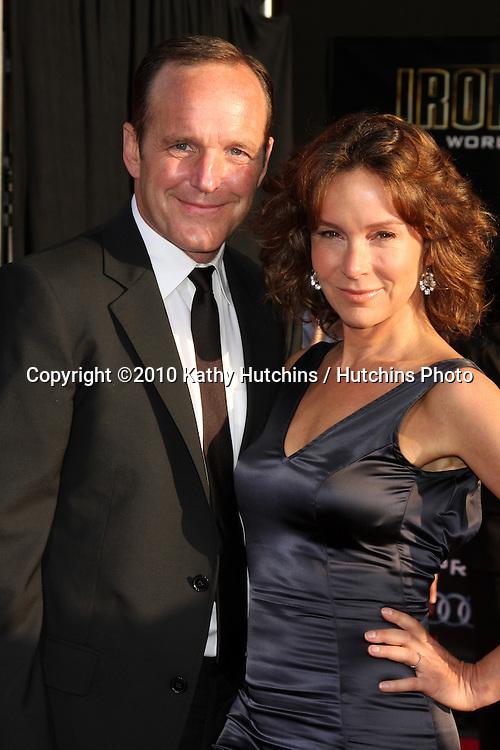 "Clark Gregg & Jennifer Grey.arrives at  the ""Iron Man 2"" Premiere.El Capitan Theater.Los Angeles, CA.April 26, 2010.©2010 Kathy Hutchins / Hutchins Photo..."