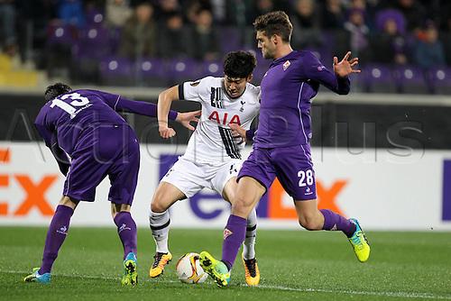 18.02.2016. Florence, Italy. UEFA Europa League football. Fiorentina versus Tottenham Hotspur.  MarcAlonso Fiorentina, Son Heung-Min Tottenham