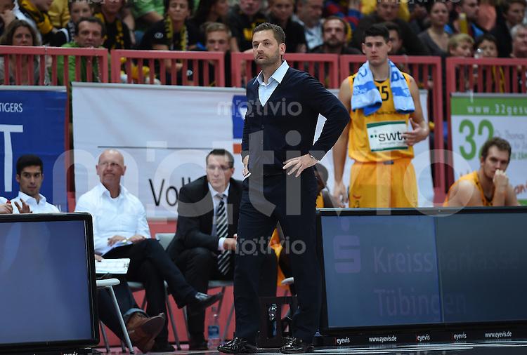 BEKO Basketball 1. Bundesliga 2014/2015 Walter Tigers Tuebingen - Telekom Baskets Bonn       04.10.2014 Trainer Igor Perovic (Mitte, Tigers)