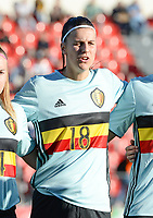 20171024 - PENAFIEL , PORTUGAL :  Belgian Laura De Neve pictured during a women's soccer game between Portugal and the Belgian Red Flames , on tuesday 24 October 2017 at Estádio Municipal 25 de Abril in Penafiel. This is the third game for the  Red Flames during the Worldcup 2019 France qualification in group 6. PHOTO SPORTPIX.BE | DAVID CATRY