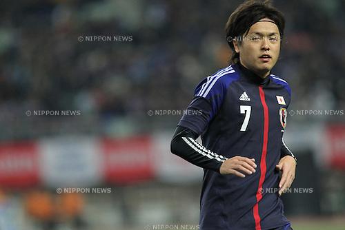 Yasuhito Endo (JPN),.FEBRUARY 24, 2012 - Football / Soccer :.Kirin Challenge Cup 2012 match between Japan 3-1 Iceland at Nagai Stadium in Osaka, Japan. (Photo by Kenzaburo Matsuoka/AFLO)