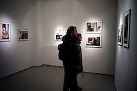 Davor nous emmène visiter des expositions photographiques. Celle-là nous amuse car il s'agit de portraits de femmes croates au chômage. Situation dans laquelle il se trouve aussi. Il est également photographe amateur et il travaille au noir pour une société anglaise qui sous-traite en Croatie de la retouche d'images numériques pour des catalogues de vêtements en ligne basés en Allemagne.