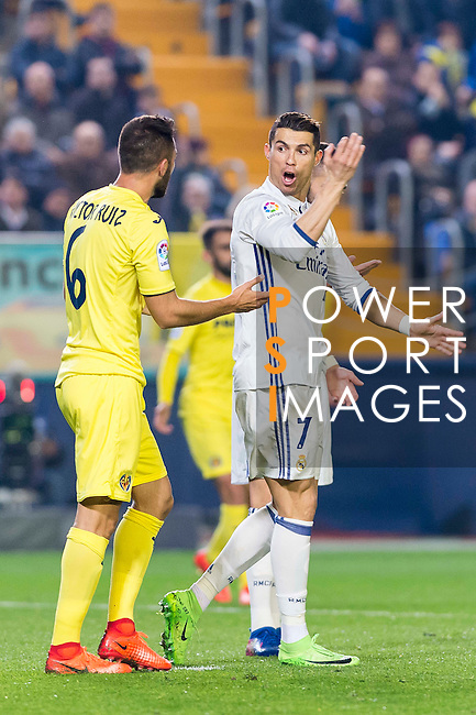 Cristiano Ronaldo (r) of Real Madrid argues with Víctor Ruiz Torre of Villarreal CF during their La Liga match between Villarreal CF and Real Madrid at the Estadio de la Cerámica on 26 February 2017 in Villarreal, Spain. Photo by Maria Jose Segovia Carmona / Power Sport Images